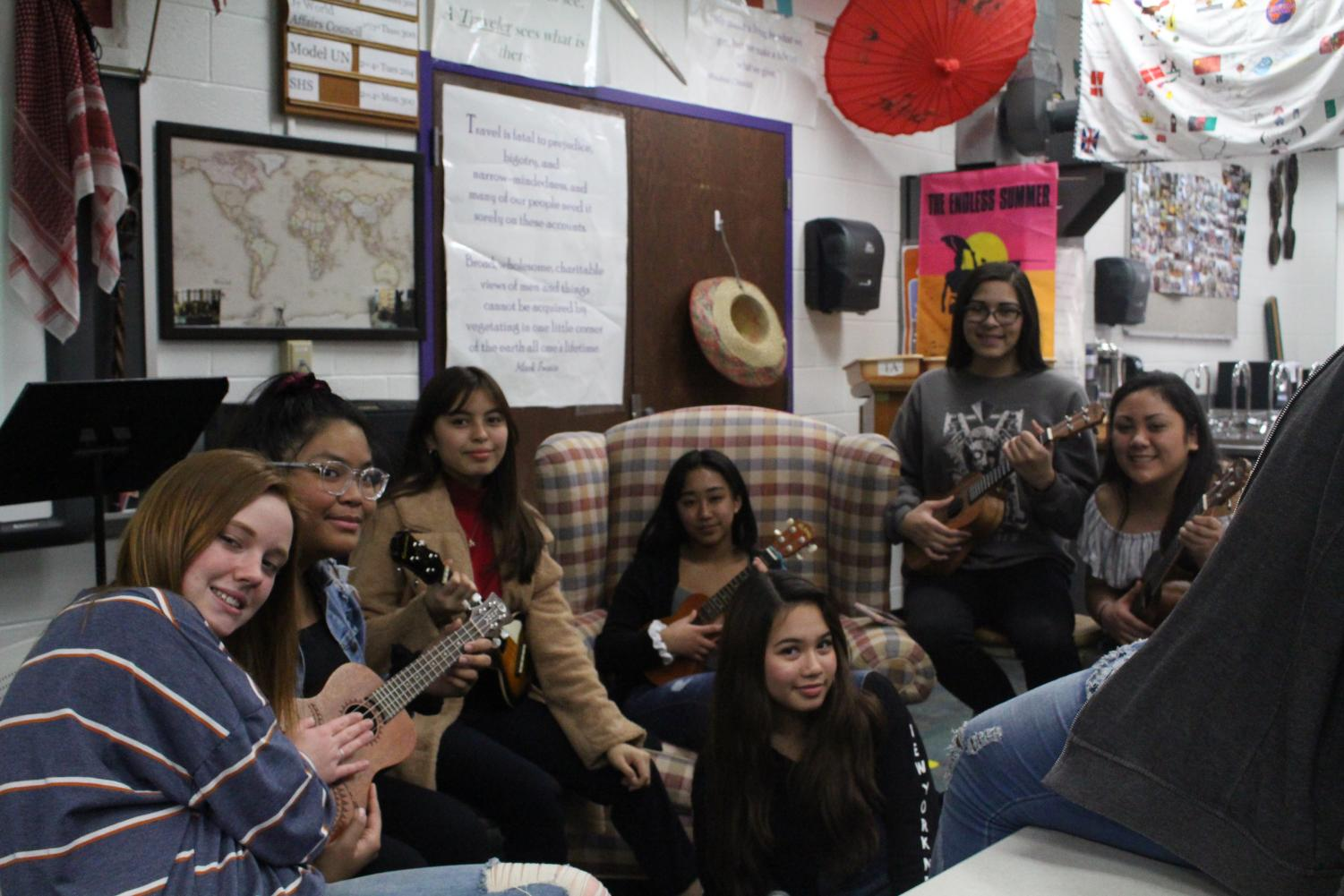 Tallwood's Ukulele Army practicing for the Global Gala.