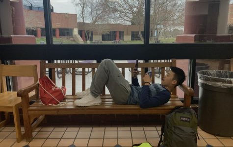 Helron Zheng procrastinating in the commons.